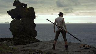 """Rey (Daisy Ridley) dans """"Star Wars : Les Derniers Jedi"""", l'épisode VIII de la saga. (JULES HEATH / LUCASFILM)"""