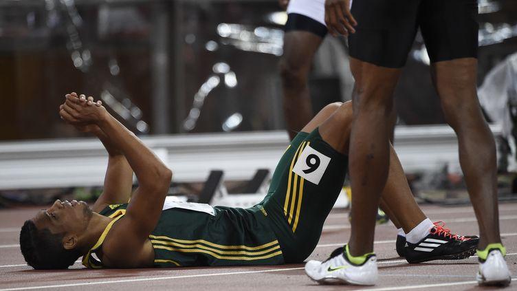 Le Sud-Africain Wayde Van Niekerk après sa victoire lors de l'épreuve du 400 m de Pékin, le 26 août 2015. (FRANCK FIFE / AFP)
