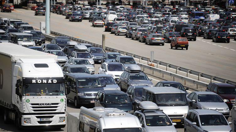 L'avant-dernier week-end des vacances s'annonce très chargé sur la route du retour. (JEFF PACHOUD / AFP)