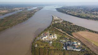 Vue aérienne de la Garonne et de la Dordogne qui se rejoignent à Bayon-sur-Gironde (en Gironde). (LEROY FRANCIS / HEMIS.FR / AFP)