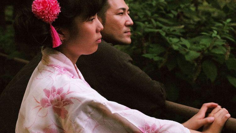 "Mahiro Tanimoto et Ishii Yuichi dans ""Family Romance, LLC"" de Werner Herzog. (Nour Films)"