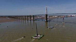 France 3 vous emmène prendre un bol d'air à l'occasion de l'événement nautique du week-end : le départ de The Bridge. Une traversée de l'Atlantique qui commémore le débarquement américain de 1917. La course s'élance de Saint-Nazaire (Loire-Atlantique). (France 3)
