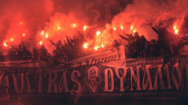 Les supporters du Dynamo Kiev (Ukraine) lors d'un match à domicile contre le Chakhtar Donetsk, le 24 septembre 2011. (GETTY IMAGES EUROPE)