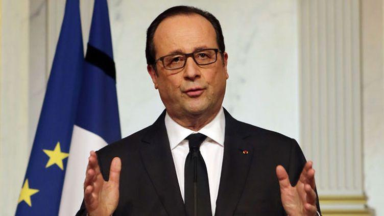 (François Hollande s'est adressé directement aux Français vendredi soir © Remy de la Mauviniere/AP/SIPA)
