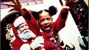 Insultés, sous payés, travaillant dans des conditions difficiles... Les pères Noël passent parfois des journées compliquées. (XAVIER BONGHI / STOCKBYTE / GETTY IMAGES)