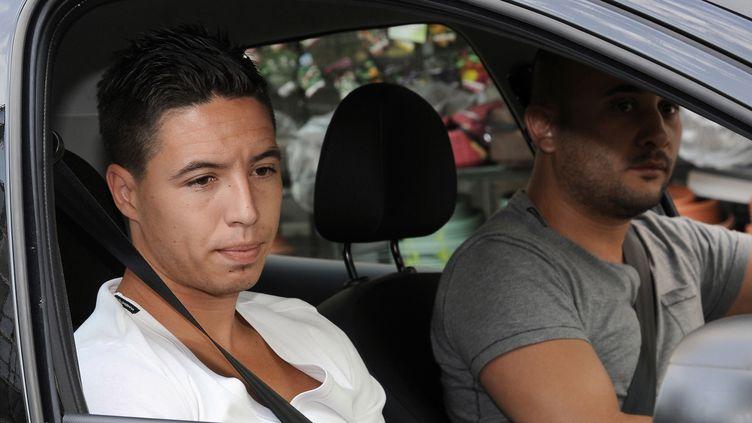 Samir Nasri arrive au siège de la Fédération française de football en vue de son audition par la commission de discipline, le 27 juillet 2012 à Paris. (BERTRAND GUAY / AFP)