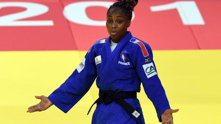 Priscilla Gneto et l'équipe de France n'ont rien pu faire face au Japon. (ATTILA KISBENEDEK / AFP)