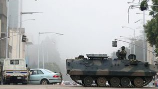 L'armée dans les rues de Harare le 15 novembre 2017 (REUTERS/Philimon Bulawayo)