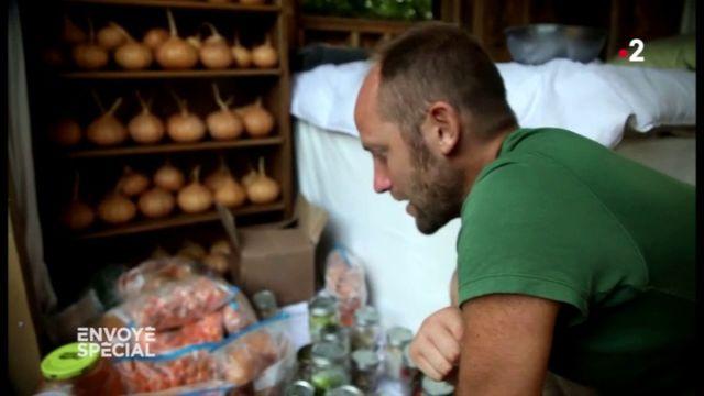 Envoyé spécial. En ville, se nourrir pendant un an sans rien acheter dans les magasins : le nouveau défi d'un activiste américain
