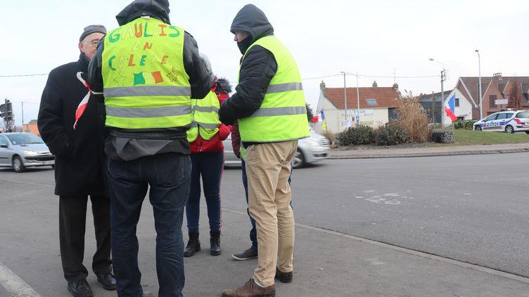 """Des """"gilets jaunes"""" le 15 décembre 2018 à Saomain, dans le Nord (FRANÇOIS CORTADE / FRANCE-BLEU NORD)"""