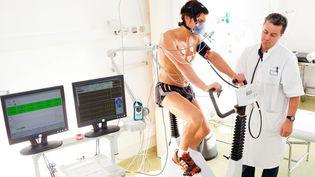 Les cardiologues du sport surveillent de près l'état cardiaque des sportifs touchés par le covid-19 | AFP (BURGER / PHANIE / AFP)