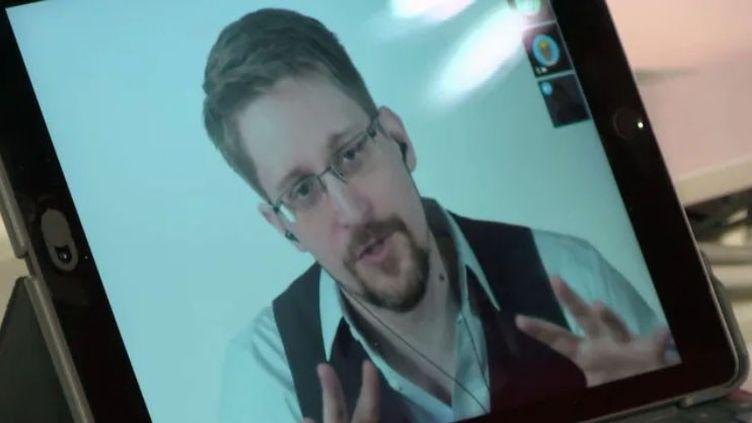 Edward Snowden lors de son entretien sur France Inter, enregistré le 13 septembre 2019. (FRANCE INTER / RADIOFRANCE)