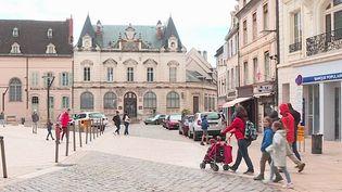 Côte-d'Or : les touristes sont de retour à Beaune (France 3)
