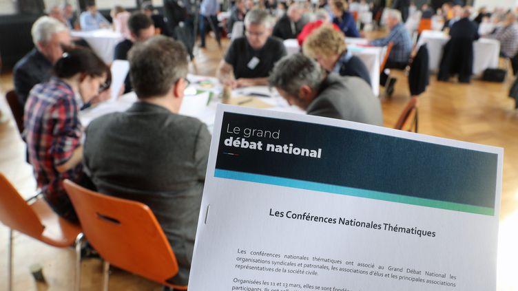 Après deux mois de consultations, l'heure de la restitution du grand débat national a sonné. (JEAN-MARC LOOS / MAXPPP)