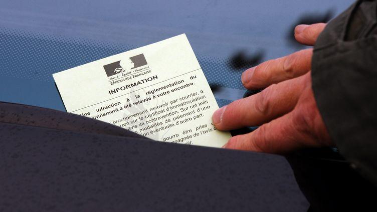 Une habitante du Nord se retrouve avec 6 000 euros d'amendes à payer alors que c'est la police qui utilise sa voiture. (PHILIPPE VACHER / MAXPPP)