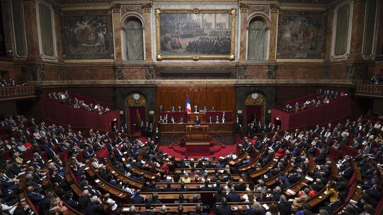 Le président français Emmanuel Macron s'adresse au Congrès, à Versailles, le 3 juillet 2017. (ERIC FEFERBERG / AFP)