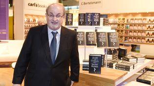 "Salman Rushdie à Francfort, où il présente son dernier roman, ""Two Years, Eight Months and Twenty-Eight Nights""  (Jens Kalaene / DPA-Zentralbild / DPA Picture Alliance / AFP)"