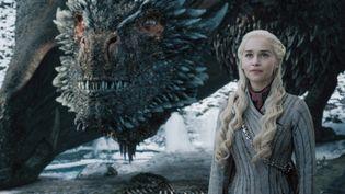 """L'actrice britannique Emilia Clarke, interprétant Daenerys Targaryen, dans la dernière saison de """"Game of Thrones"""". (HBO)"""