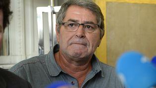 """Pascal Fauret, pilote condamné pourtrafic de drogue à Saint-Domingue dans l'affaire """"Air Cocaïne"""", lors d'une conférence de presse, le 27 octobre 2015 à Paris. (BERTRAND GUAY / AFP)"""