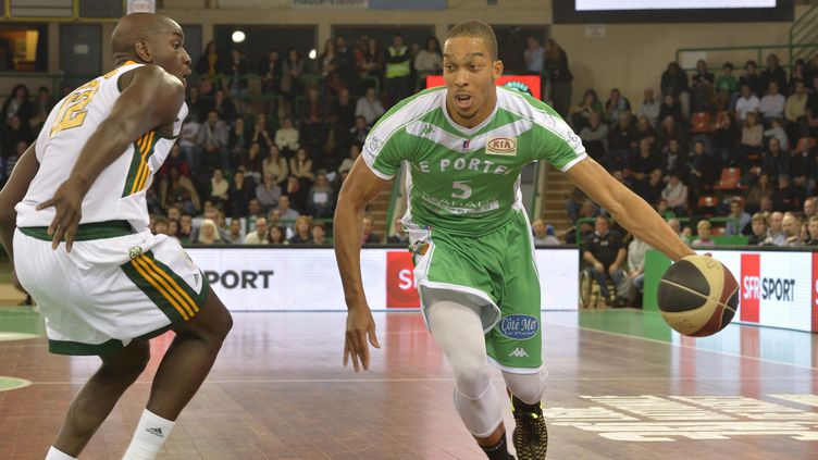 Limoges dans la course aux play-offs (PASCAL LACHENAUD / MAXPPP)