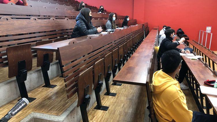 A l'université de Cergy, une poignée d'étudiants ontpu revenir en cours, le 11 janvier 2021. (ALEXIS MOREL / RADIO FRANCE)