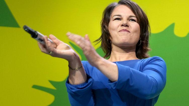 La candidate des Verts (Grünen) Annalena Baerbock, le soir des résultats de l'élections fédérales en Allemagne, le 26 septembre 2021. (KAY NIETFELD / DPA)