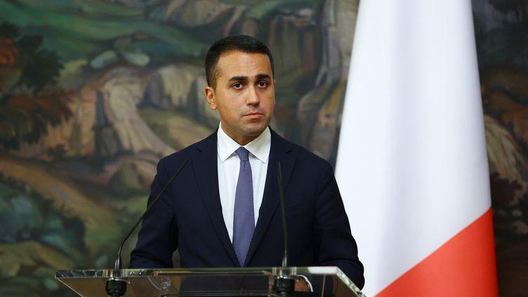 Lechef de la diplomatie italienne, LuigiDi Maio, lors d'une conférence de presse à Moscou (Russie), le 14 octobre 2020. (RUSSIAN FOREIGN MINISTRY / AFP)