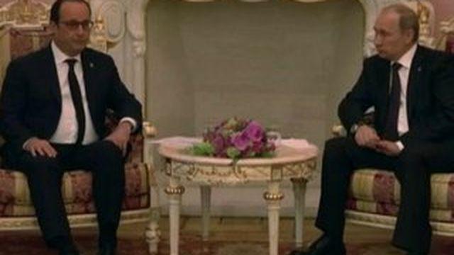 François Hollande et Vladimir Poutine évoquent les Mistral, à Erevan
