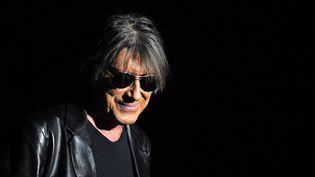 Jacques Dutronc sur scène aux Arènes de Metz le 2 février 2010  (PhotoPQR / L'Est Républicain / MaxPPP)
