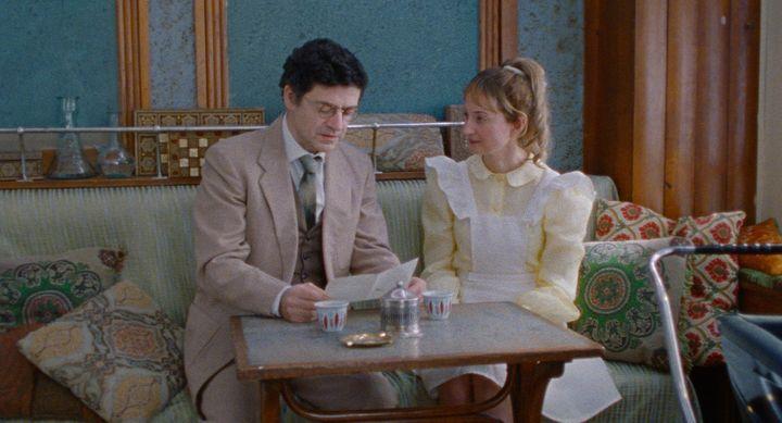"""Wajdi Mouawad et Alba Rohrwacher dans """"Sous le ciel d'Alice"""" deChloé Mazlo. (Copyright Ad Vitam)"""