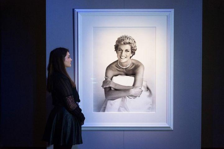 Photo de la princesse Diana par Patrick Demarchelier  (Ray Tang / ANADOLU AGENCY)