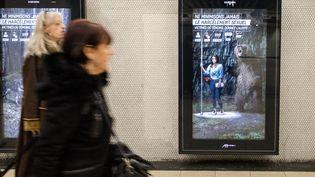 La campagne de lutte contre le harcèlement sexuel dans les transports en commun d'Île-de-France a été lancée à Paris le 5 mars 2018. (MAXPPP)