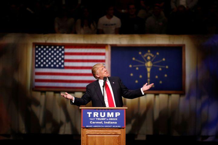 Le candidat à la primaire du parti républicain, Donald Trump, lors d'un meeting dans l'Indiana (Etats-Unis), le 2 mai 2016. (? AARON BERNSTEIN / REUTERS / X02988)