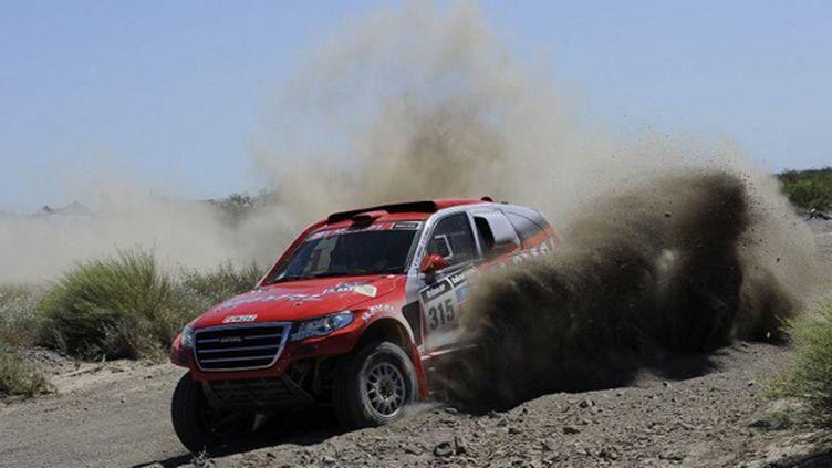 Christian Lavieille sur son Haval pendant le Dakar 2014 (ERIC VARGIOLU / E.V.A.)