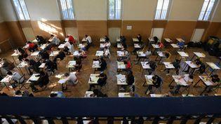 Des lycéens passent le baccalauréat à Strasbourg (Bas-Rhin), le 17 juin 2019. (FREDERICK FLORIN / AFP)