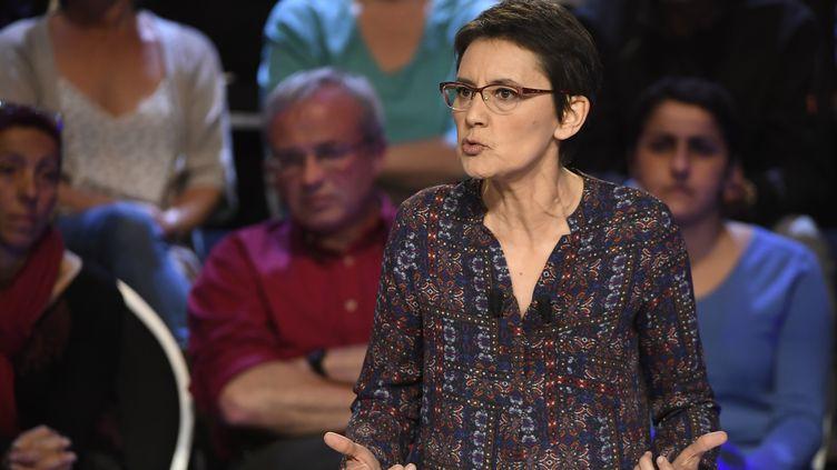 Nathalie Arthaud, le 4 avril 2017. (LIONEL BONAVENTURE / POOL)