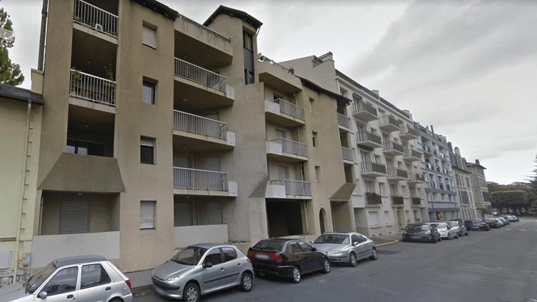 Les immeubles de la rue Richelieu, à Pau (Pyrénées-Atlantiques). (GOOGLE STREET VIEW / FRANCEINFO)