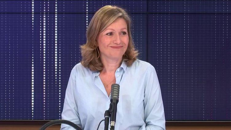 """Yaël Braun-Pivet, présidente de la Commission des lois et députée LREM des Yvelines, était l'invitée du """"8h30 franceinfo"""", samedi 3 octobre 2020. (FRANCEINFO / RADIOFRANCE)"""