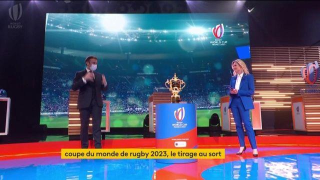 """VIDEO. Rugby : """"En 2023, je veux qu'on rapporte la Coupe du monde à la maison"""", déclare Emmanuel Macron"""