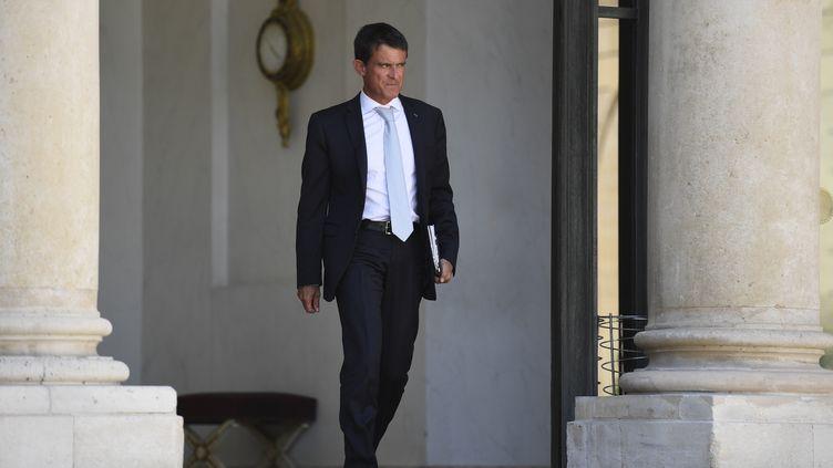 Manuel Valls au palais de l'Elysée, à Paris, le 17 août 2016. (LIONEL BONAVENTURE / AFP)