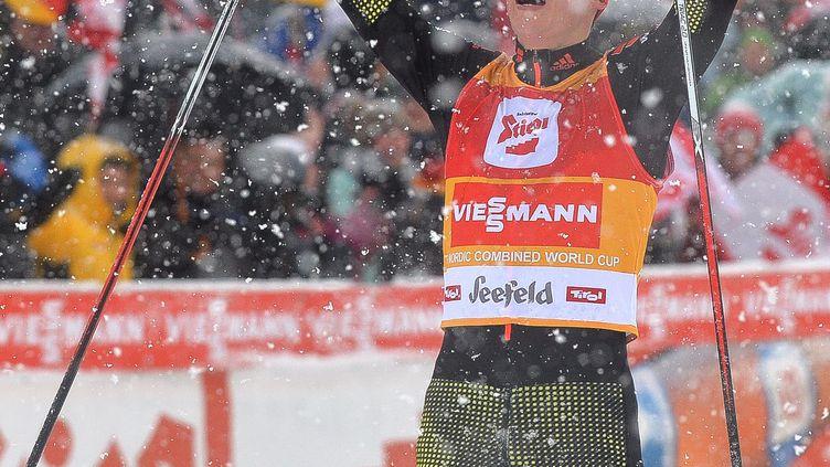 L'Allemand Eric Frenzel a remporté pour la troisième année de suite le triplé de Seefeld en Autriche.  (BARBARA GINDL / APA)