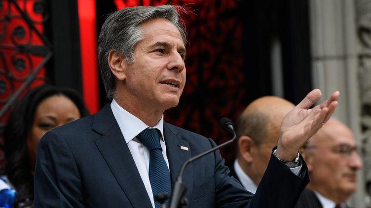Le secrétaire d'Etat américain, Antony Blinken, lors d'une prise de parole à la résidence de l'ambassadeur français à Washington (Etats-Unis), le 14 juillet 2021. (NICHOLAS KAMM / AFP)