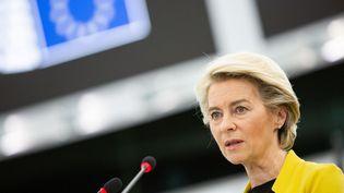 La présidente de la Commission européenne, Ursula von der Leyen, lors d'une session plénière au Parlement européen à Strasbourg, en France, le 7 juillet 2021. (EUROPEAN PARLIAMENT / ANADOLU AGENCY / AFP)