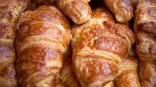 Un comité rebelle syrien a prononcé une fatwa contre les croissants, le 30 juillet 2013. (MARIA SCHRIBER / IMAGE SOURCE / AFP)