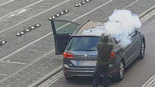 Le terroriste allemand qui a tué deux personnes, à Halle-sur-Saale (Land de Saxe-Hanhalt,Allemagne), le 9 octobre 2019. (ANDREAS SPLETT / ATV-STUDIO HALLE / AFP)
