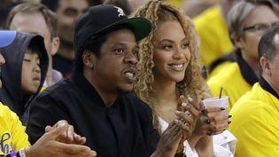 Le producteur Jay-Z au coeur d'une polémique : sa société de streming Tidal aurait manipulé le nombre d'écoutes d'albums de son épouse Beyoncé et du chanteur Kanye West.  ( Marcio Jose Sanchez/AP/SIPA)
