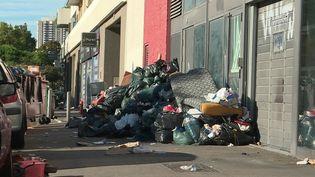 Bouches-du-Rhône : des éboueurs réquisitionnés pour débarrasser Marseille de ses déchets (FRANCE 2)
