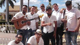 """Le groupe cubain """"Caribe son"""" joue à Trinidad  (Caribe son)"""