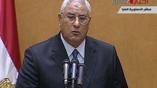 Capture d'écran de la prestation de serment télévisée d'Adly Mansour, nouveau président égyptien par intérim, le 4 juillet 2013 au Caire. (AP / SIPA )