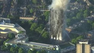 Incendie à Londres : les derniers éléments d'information (FRANCE 2)